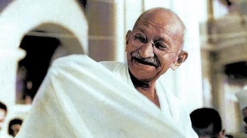 Documental-Coloquio sobre Gandhi,